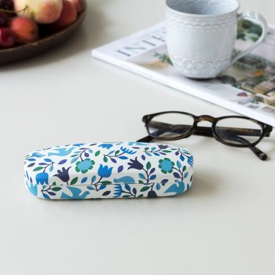 glasse case blue doves