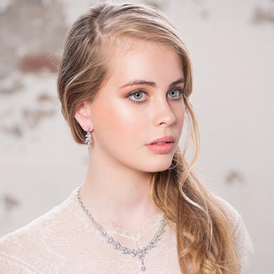 Estelle gold earring
