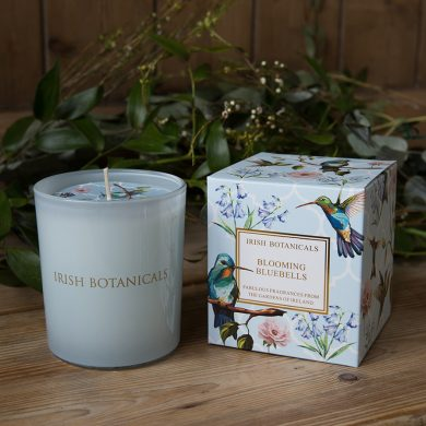 irish-botanicals-blooming-bluebells-candle