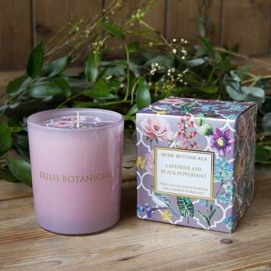 irish-botanicals-lavender-and-black-peppermint-candle