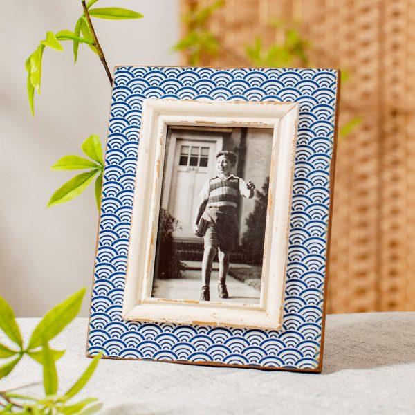 Blue wave photo frame