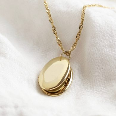Previous Oval locket